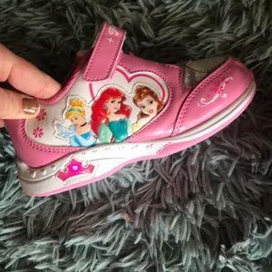 EUC Girls light up princess 👑 sneakers